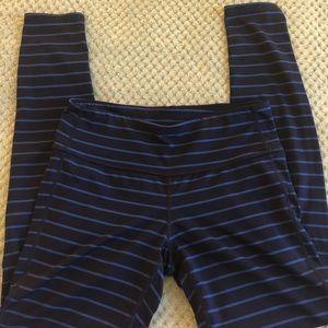 Athleta Navy/Blue Striped Legging Sz M